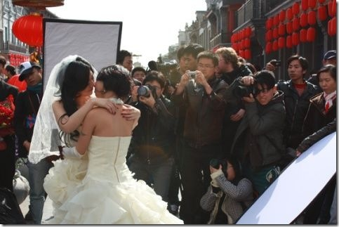 Gay, Lesbian Couples Shooting Wedding Photos on Beijing's Street
